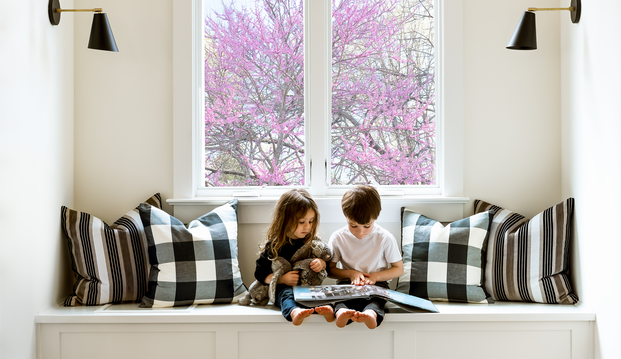 kids in window seat